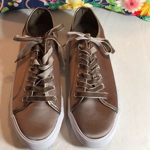 sneakers with velvet ribbon laces. NWT summer